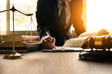 choosing the right business litigation attorney in Georgia